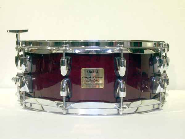 14x5.5in Yamaha Maple Custom Cherry Red Image